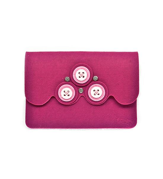 Astuccio porta tablet bottone kit fai da te fuxia for Porta borse fai da te